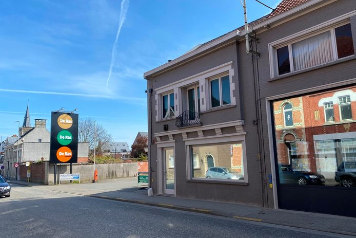 Hubo wil de achterste loods van site De Ras langs de Hoogstraat in Lede omvormen tot een winkel van 2.000 m².