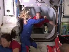 Historisch: ruimtecapsule Elon Musk komt met vier astronauten aan bij ISS