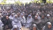 Boko Haram toont ontvoerde meisjes