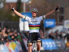 Mathieu van der Poel voltooit Hulster hattrick in Vestingcross
