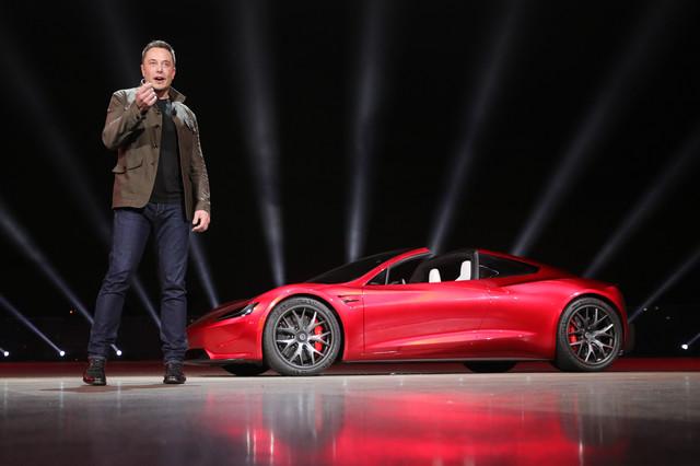 Foto van Elon Musk schiet een auto de ruimte in