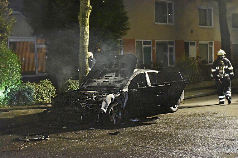 De uitgebrande auto werd kort na de liquidatie gevonden op de Pallas Athenedreef in Utrecht. Beeld Michiel van Beers