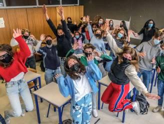 """Rhizo-scholieren zien elkaar voor het eerst in zes maanden terug: """"Tof om weer met de hele klas samen te zitten"""""""