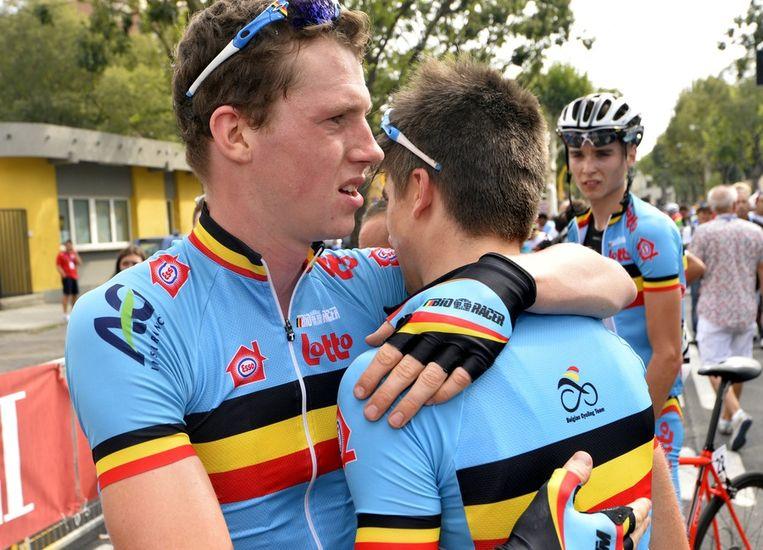 De Belgen zochten troost bij elkaar Beeld BELGA