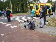 Twee fietsers door een auto geschept op Costerweg in Wageningen