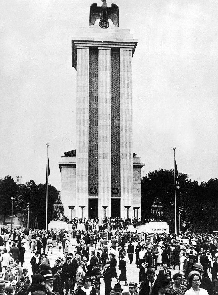 'Het Duitse paviljoen op de Wereldtentoonstelling van 1937 in Parijs was een ontwerp van Albert Speer' Beeld Belga