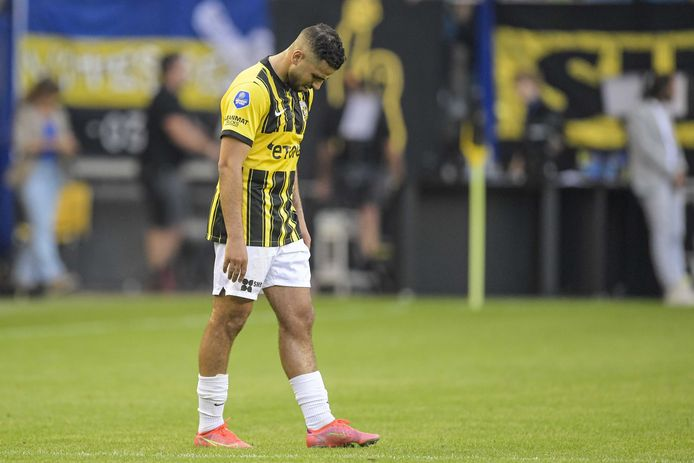 Frustration at Oussama Tannane during Vitesse's Conference League game against Dundalk.  Tanane was returned to the Promises by club management today.