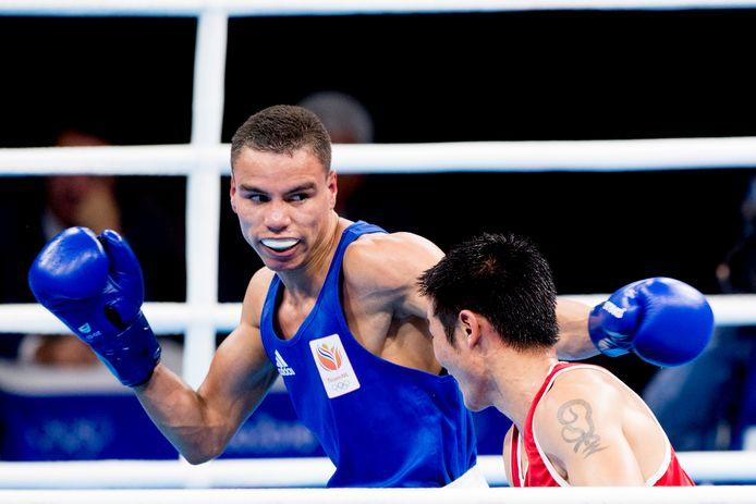 Enrico Lacruz tijdens zijn partij tegen Otgondalai Dorjnyambuu uit Mongolie tijdens de Olympische Spelen in Rio.