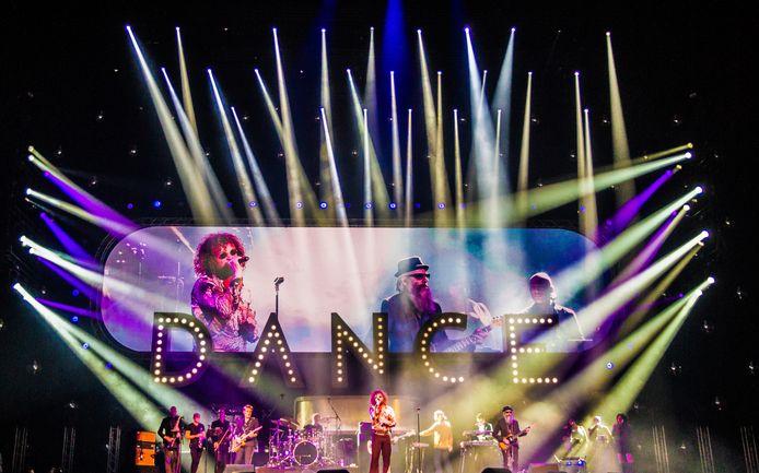 DI-RECT tijdens een optreden in Ziggo Dome.