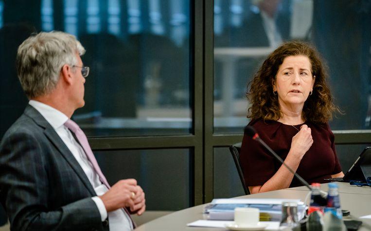 Minister Ingrid van Engelshoven van Onderwijs, Cultuur en Wetenschap stelt dat er gewerkt wordt aan compensatie voor studenten die door het gebrek aan fysiek onderwijs studievertraging oplopen. Beeld ANP