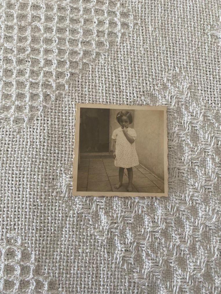 Paula vlak na aankomst bij het echtpaar Koper in Kudelstaart, 1943. Beeld prive-archief Paula Rubinek-Melamed