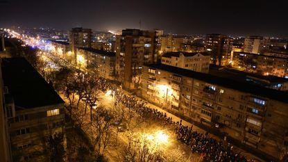 Tienduizenden Roemenen protesteren tegen versoepeling anticorruptiewetgeving
