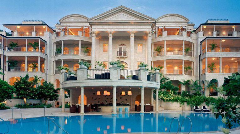 Als lottowinnaar jezelf plots met luxe overstelpen en een gigantische villa kopen, is dat wel een goed idee? Beeld Photo News