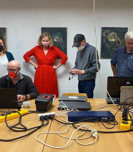 Al 400 oude gsm's en laptops hersteld en verdeeld onder kwetsbare Gentenaars