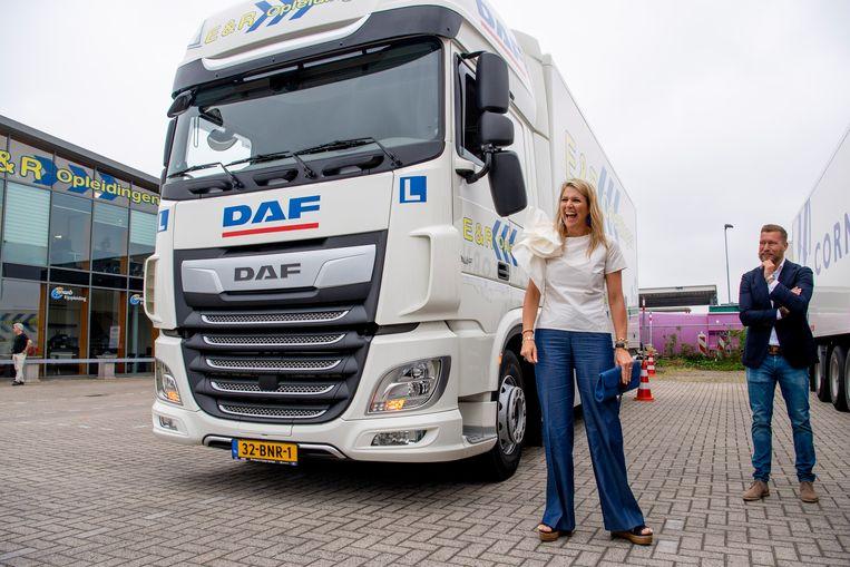 Koningin Maxima tijdens een werkbezoek aan de sector Transport en Logistiek in Nieuwegein. Beeld Brunopress/Patrick van Emst