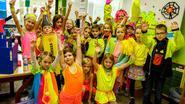 School De Schans kleurt fluogeel