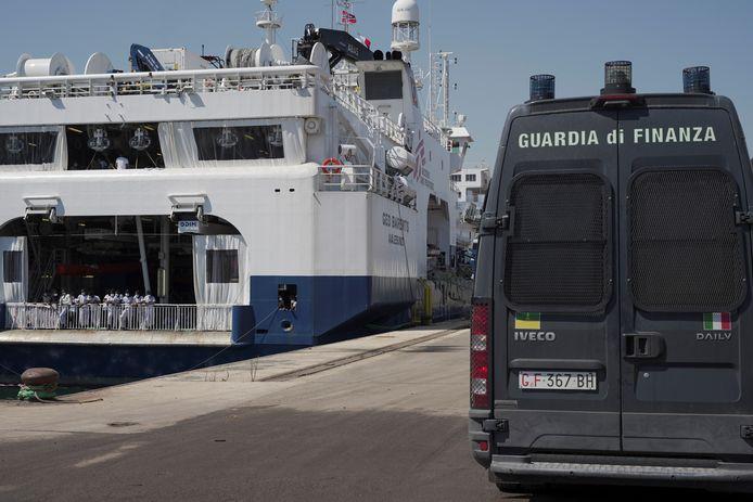Archiefbeeld: het  schip 'Geo Barents' in de haven van Augusta, Sicilië