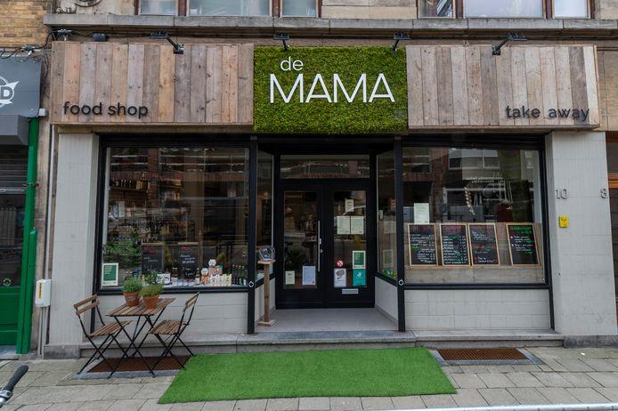 08042021 Antwerpen  demama    Foto's van Bram Uyttenhoven in en/of voor zijn foodshop / takeawayzaak De Mama op 't Zuid.