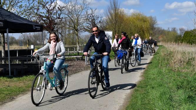 Feestcomité De Biest fietst zondag voor Kinderkankerfonds