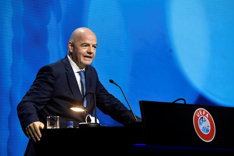 FIFA-baas Gianni Infantino op het UEFA-congres.  Beeld REUTERS