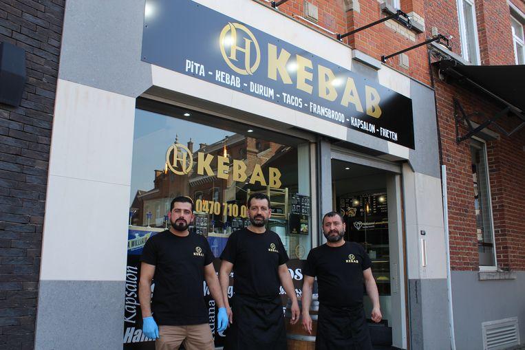H Kebab, de nieuwe snackbar in Lennik, opende vrijdagmiddag zijn deuren.