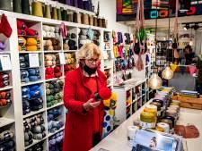 Spelletjes- en hobbywinkels beleven gouden tijden: 'Ze liggen nog net niet voor de deur als Rutte op tv is geweest'