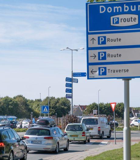 Zoutelande wil gratis parkeren in de winter. 'Je rijdt dan door stille, verlaten straten'