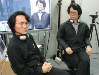 """Professor bouwt zichzelf een tweelingbroer: """"Ik mag niet ouder lijken dan mijn robot. Dan maar aan de botox"""""""