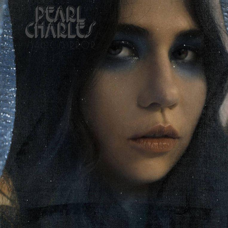 Pearl Charles, Magic Mirror. Beeld -