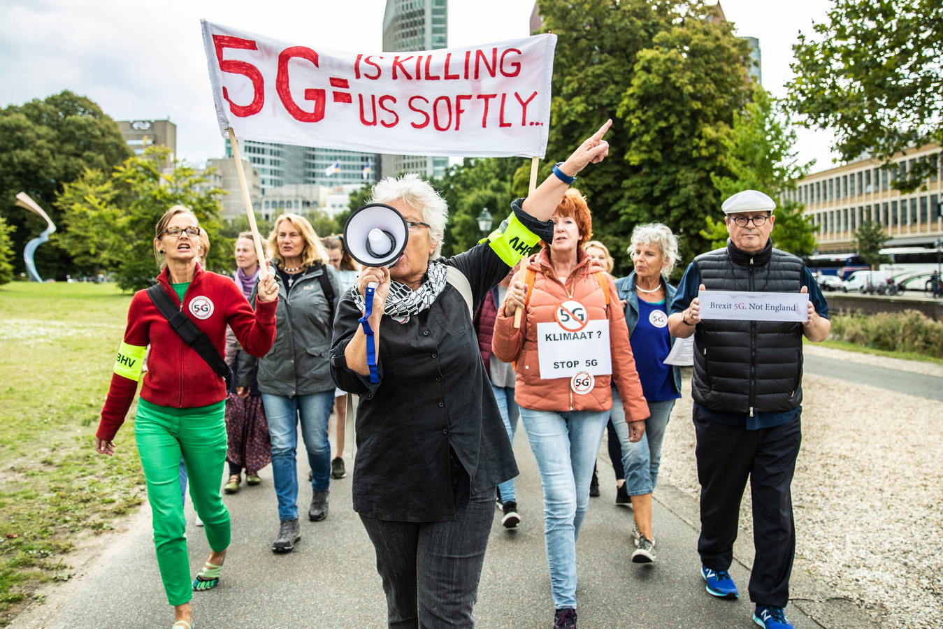 Anti 5G-demonstranten in Den Haag afgelopen september.