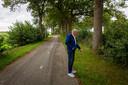 Op deze plek aan de Driftlakenseweg, waar nu een fietspad ligt, zag Arend Pluim in 1943 het bloed van de doodgeschoten burgemeester Roege in het gras. Maar de gemeente Meppel verleent geen medewerking aan het plaatsen van een bermmonument.