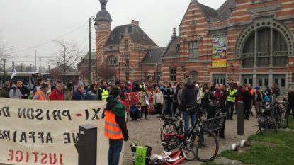 Protest tegen bouw gevangenisdorp in Haren