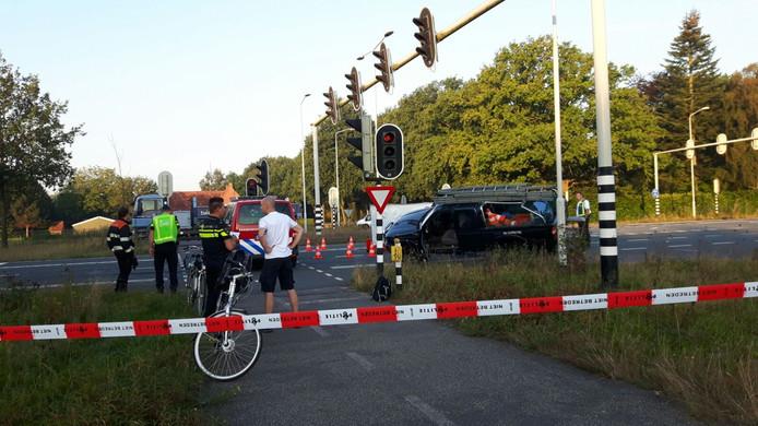 De Eindhovenseweg-Zuid is afgesloten na een dodelijk ongeluk.