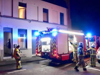 Brandweer blust matras in woning: bewoonster in shock naar ziekenhuis