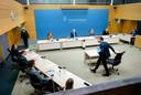Premier Rutte bij de ondervraging door de Kamercommissie die in haar rapport 'ongekend onrecht' vaststelde.