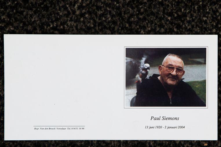 Het doodsprentje van Paul Siemons. Beeld Photo News