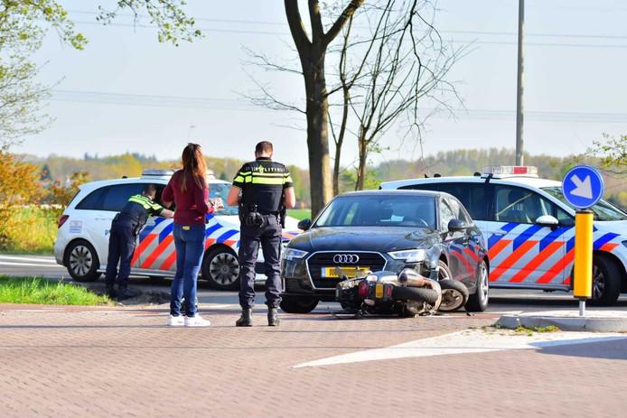 Ongeval tussen auto en scooterrijder in Oudenbosch