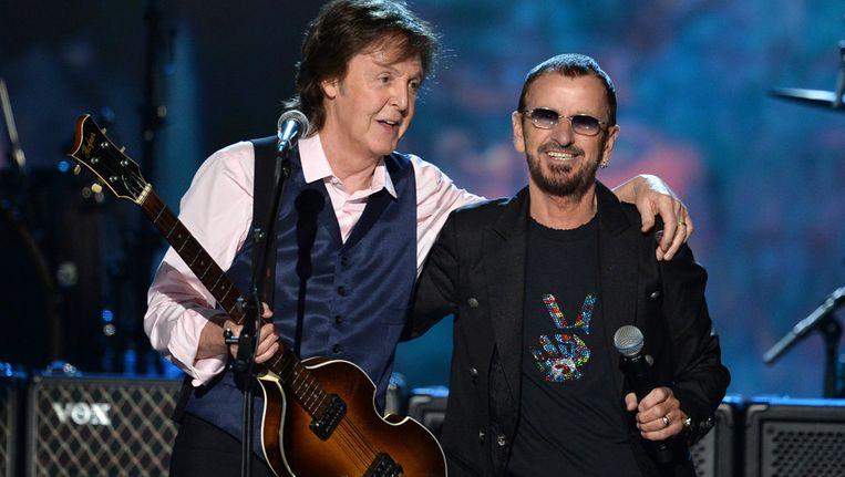 Paul McCartney en Ringo Starr, als twee overgebleven Beatles nog steeds dikke vrienden en vol aan de bak met muziek. Beeld GETTY