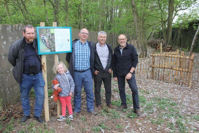 Peter Luyten, Koen De Maere, Wim Van Grieken en Rik De Baere van Natuurpunt bij het Kluizenbos.
