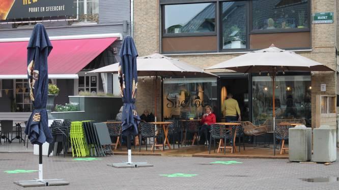 Regen spelbreker tijdens eerste openingsdag terrassen in Torhout