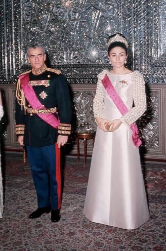 50 jaar geleden woonden Boudewijn en Fabiola het 'duurste feest ooit' bij. Het bracht het Perzische rijk ten val