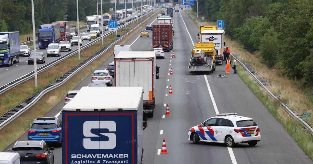 Snelweg A2 dicht na ongeluk bij knooppunt Everdingen.