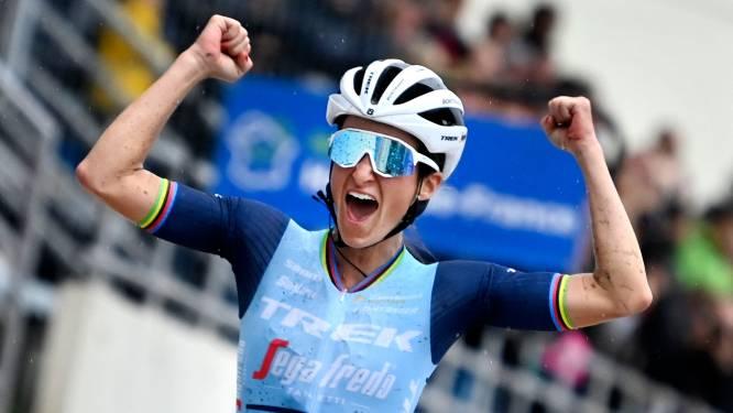 Ontketende Deignan schrijft geschiedenis met zege Parijs-Roubaix: 'Ik ben zó trots'