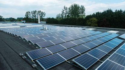 45 zonnepanelen op dak gemeentehuis Melle