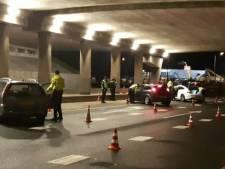 150 auto's aan de kant gezet rondom fruitbedrijf De Groot, drie steekwapens gevonden