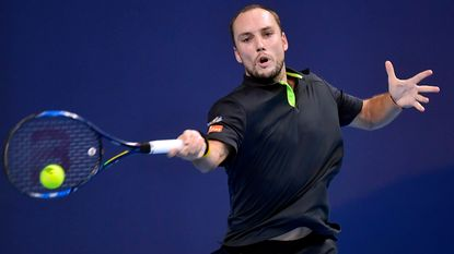 Geen drie Belgen bij laatste acht op European Open: Ferrer vloert Darcis na spannende driesetter