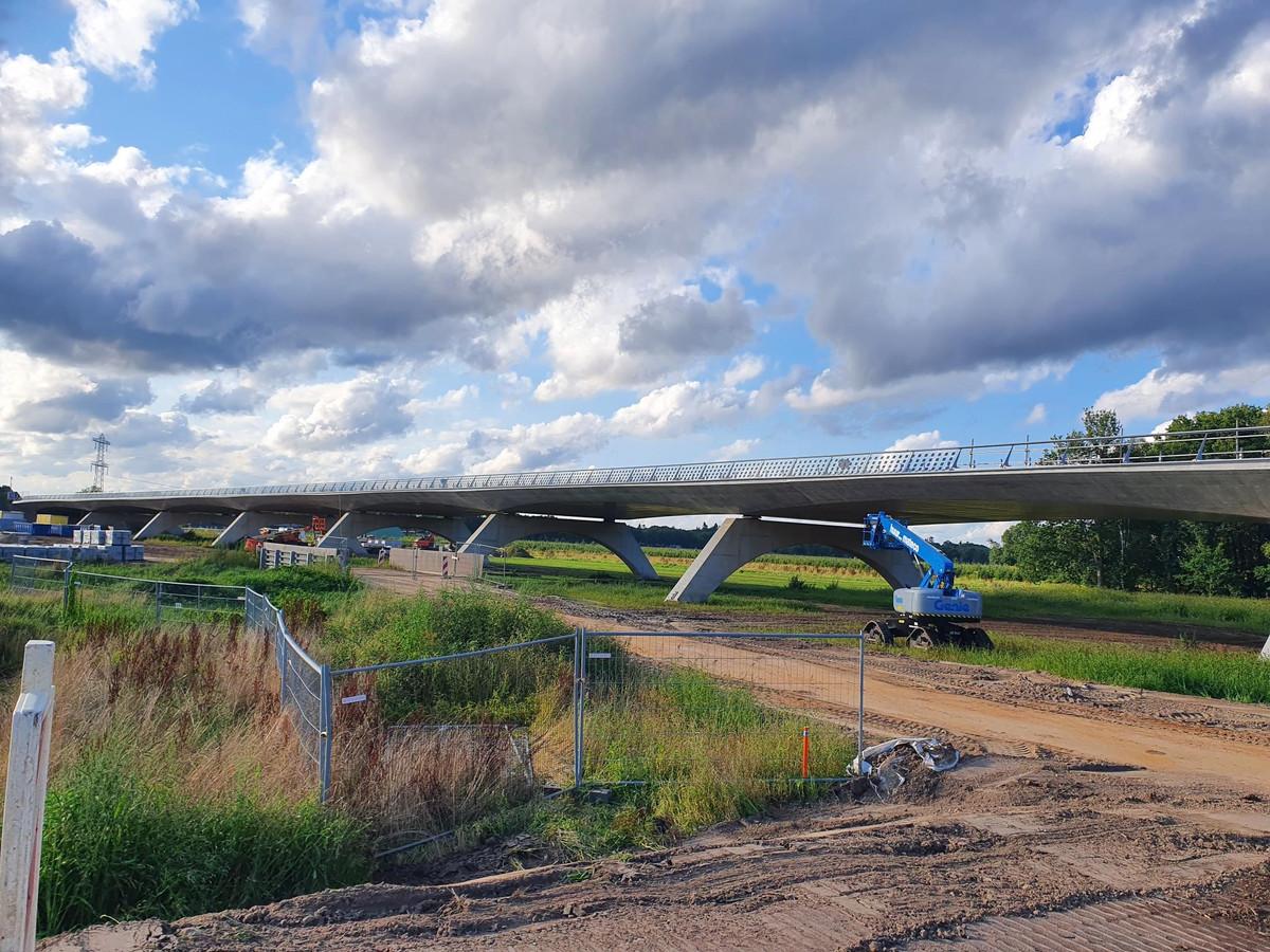 Het nieuwe N69-viaduct tussen Riethoven en Veldhoven.