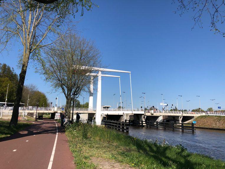 Brug over Noordhollandsch Kanaal. Beeld Floor van Spaendonck en Gijs Stork