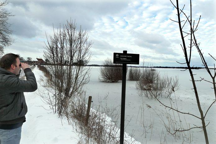 Dieren kunnen met hoogwater, sneeuw en ijs in de problemen komen als wandelaars van de paden afgaan.