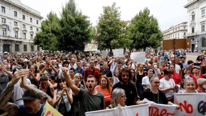 Italianen protesteren tegen coronamaatregelen